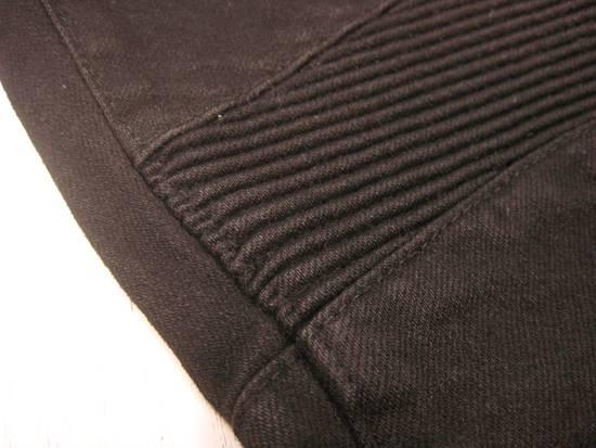 Balmain Classic Moto Jeans Made in Japan Style No. W4HT551C710W Black Coated Skinny Stretch Denim Biker Pants 32 x 32 Size US 32 / EU 48 - 3