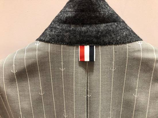 Thom Browne THOM BROWNE CLASSIC BLAZER IN GRAY/WHITE ANCHOR PINSTRIPE Size 40R - 13