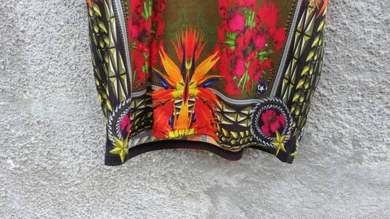Givenchy $745 Givenchy Khaki Birds of Paradise Iris Floral Rottweiler Oversized T-shirt size XS Size US XS / EU 42 / 0 - 6