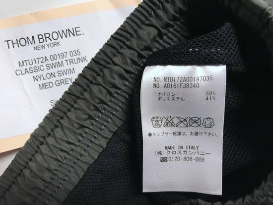 Thom Browne classic swim trunk in medium grey Size US 30 / EU 46 - 7