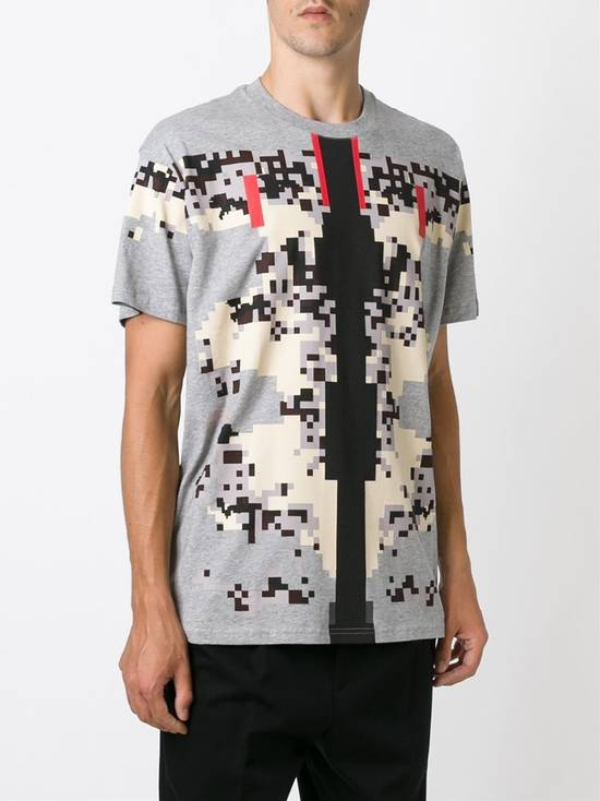 Givenchy Givenchy Pixel Tee Size US S / EU 44-46 / 1 - 1