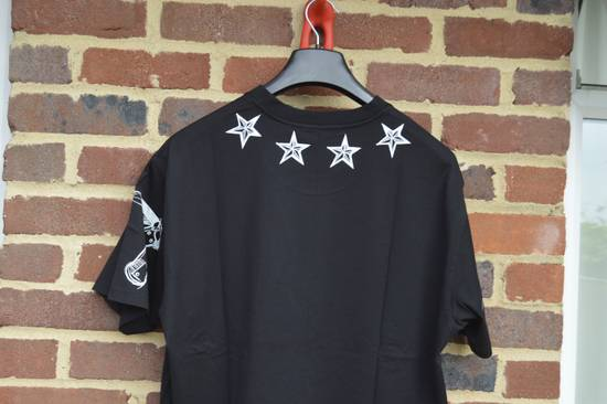 Givenchy Tattoo Stars Print T-shirt Size US M / EU 48-50 / 2 - 10