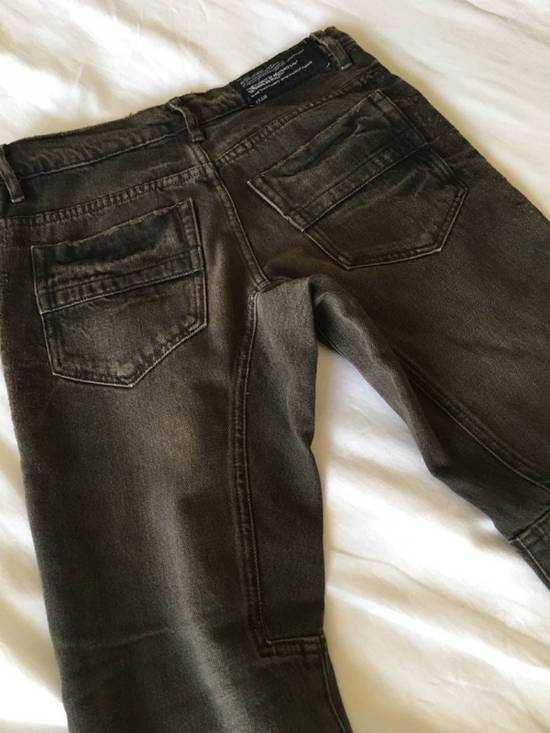 Julius Japan made cropped wrinkle and dirt effect distressed frayed hem Jeans Size US 28 / EU 44 - 14