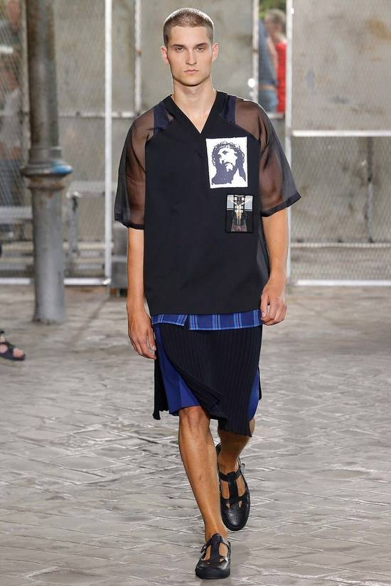 Givenchy Givenchy Men's Runway Crucifixion T-Shirt Size XL SS2016 (AUTHENTIC) Size US XL / EU 56 / 4 - 8