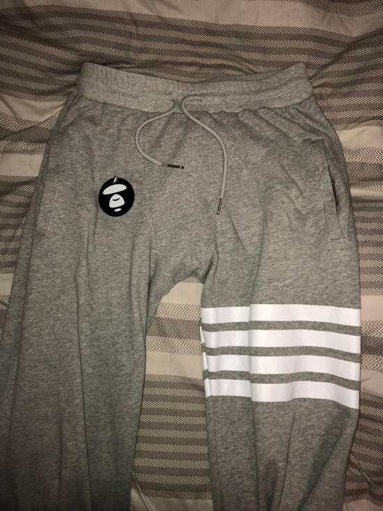 Thom Browne Sweatpants with engineered 4 stripe Size US 33