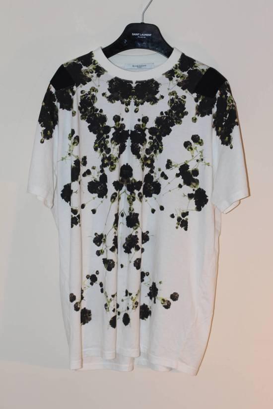 Givenchy Baby Breath T-shirt Size US M / EU 48-50 / 2
