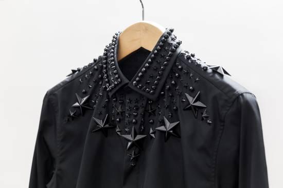 Givenchy Black Stars & Beads Crystal Applique Cuban-Fit Shirt Size US M / EU 48-50 / 2 - 3