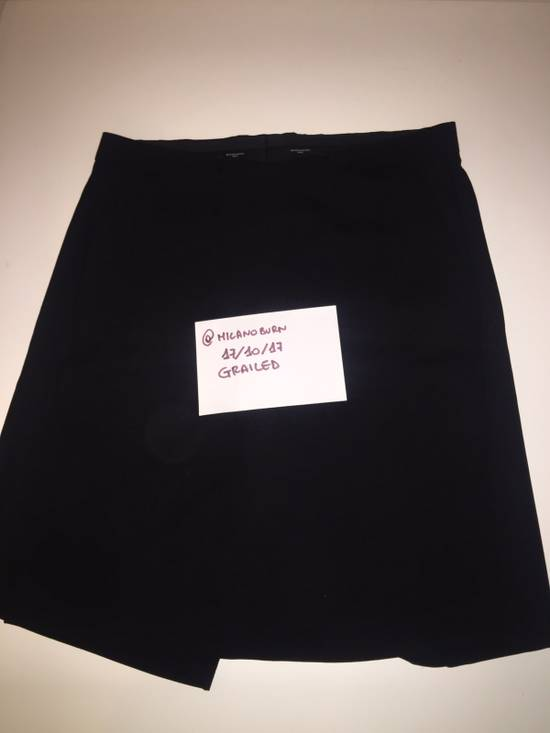 Givenchy GIVENCHY SHORTS WITH PANEL From Fashion Show Size US 33 - 6