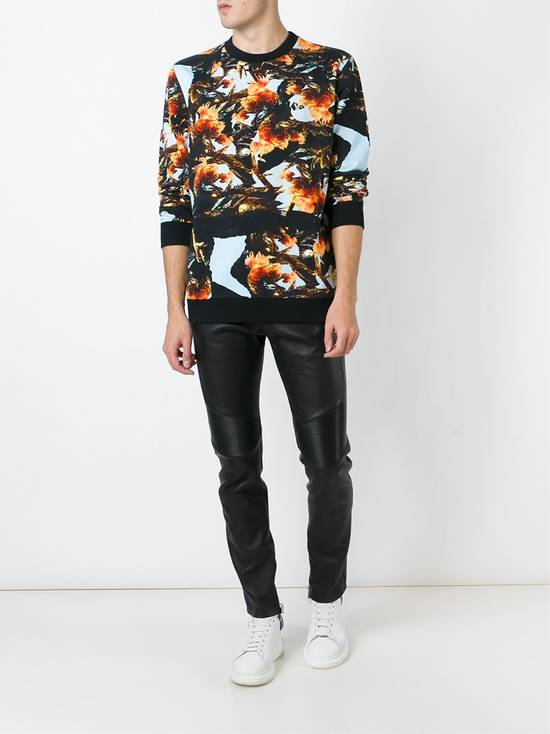 Givenchy $760 Givenchy Monkey Rooster Fight Print Rottweiler Stars Sweater size L Size US L / EU 52-54 / 3 - 2