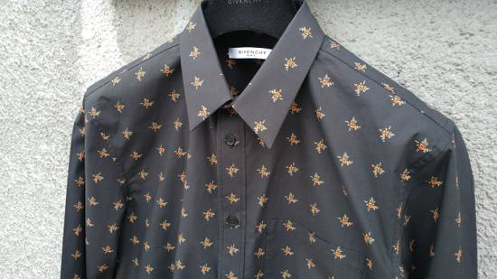 Givenchy Givenchy Floral Print Rottweiler Shark Stars Men's Shirt size 40 (M) Size US M / EU 48-50 / 2 - 5