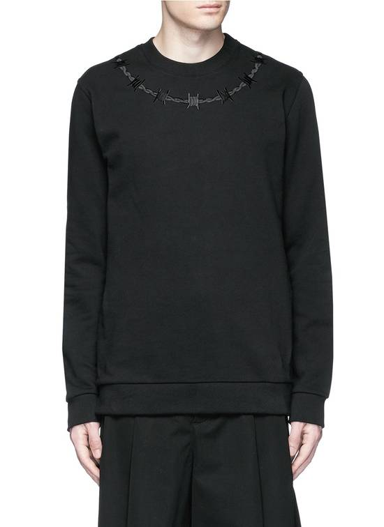 Givenchy £940 Givenchy Black Barb Wire Embroidered Rottweiler Shark Sweater size XL Size US XL / EU 56 / 4 - 11