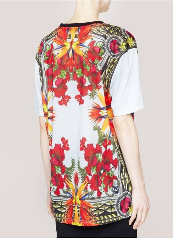 Givenchy $740 Givenchy Baby Blue Iris Floral Birds of Paradise Oversized T-shirt size XS Size US XS / EU 42 / 0 - 2