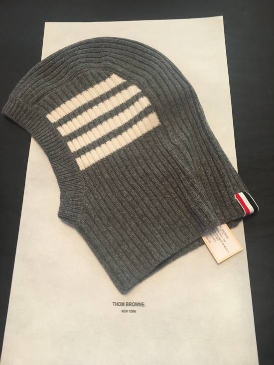 Thom Browne Ribbed Cashmere Balaclava in Grey Size ONE SIZE