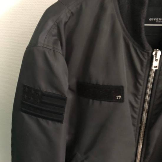 Givenchy Badge Bomber Size US L / EU 52-54 / 3 - 1