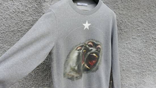 Givenchy Givenchy Grey Twin Monkey Brothers Print Rottweiler Men's Sweater size XS (S / M) Size US S / EU 44-46 / 1 - 7