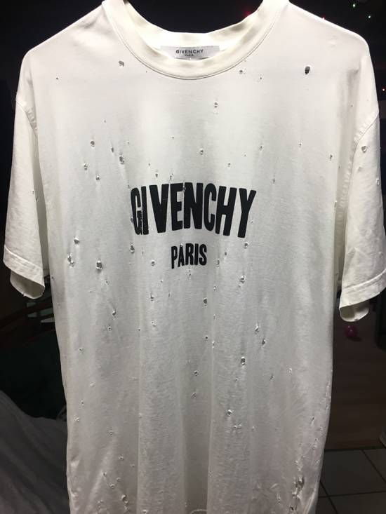 "Givenchy Givenchy Paris "" Destroyed Tee"" Size US S / EU 44-46 / 1"