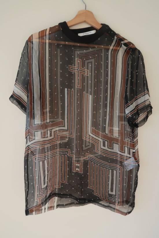 Givenchy Women's silk shirt Size US S / EU 44-46 / 1