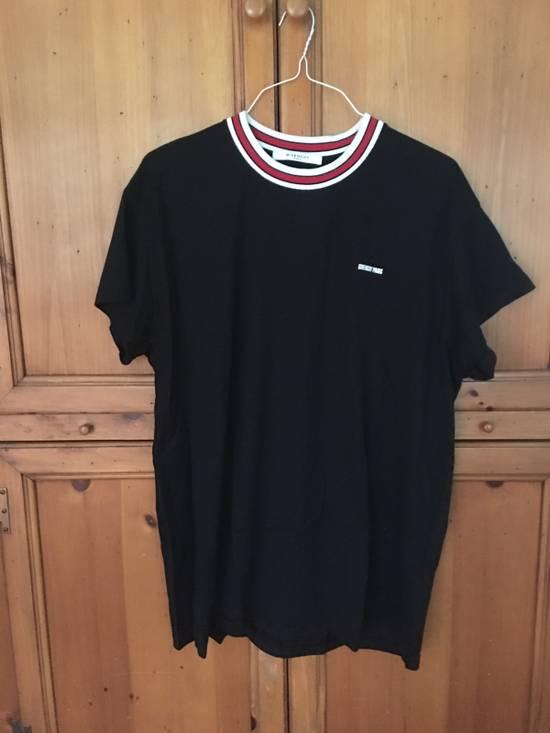 Givenchy Contrast Collar T-Shirt Size US L / EU 52-54 / 3 - 4