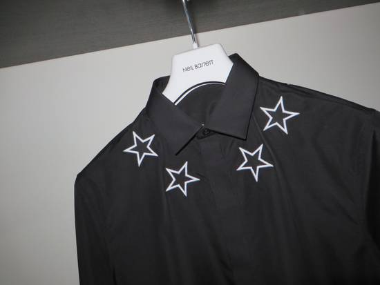 Givenchy Star embroidery shirt Size US M / EU 48-50 / 2 - 3