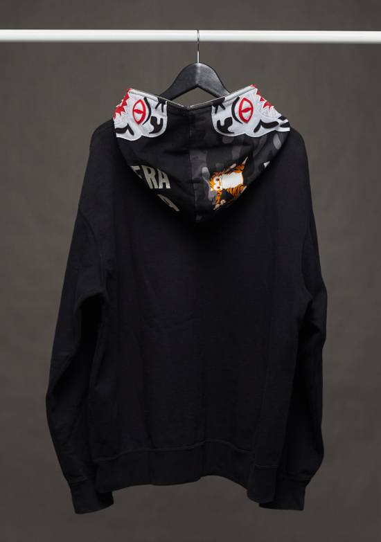 72ef0f877499 Bape A Bathing Ape White Tiger Grey Camo Black Zip Hoodie Size XL ...
