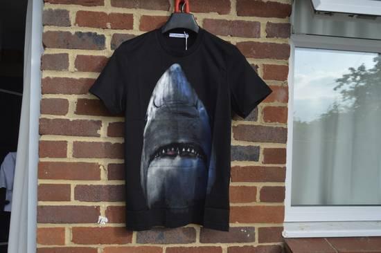 Givenchy Shark Print T-shirt Size US XS / EU 42 / 0