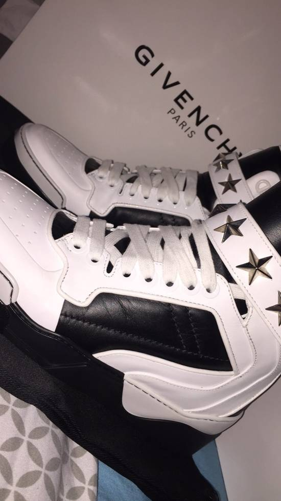 Givenchy Sneaker Givenchy Size US 7 / EU 40 - 2