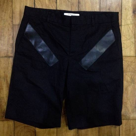 Givenchy Givenchy Cropped Shorts Size US 32 / EU 48