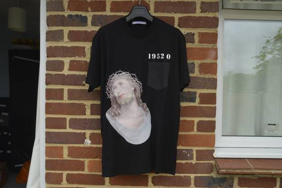 Givenchy Embroidered Jesus Print T-shirt Size US M / EU 48-50 / 2