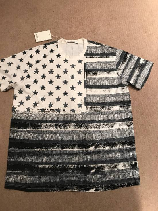 Givenchy Flag Tee Size US M / EU 48-50 / 2