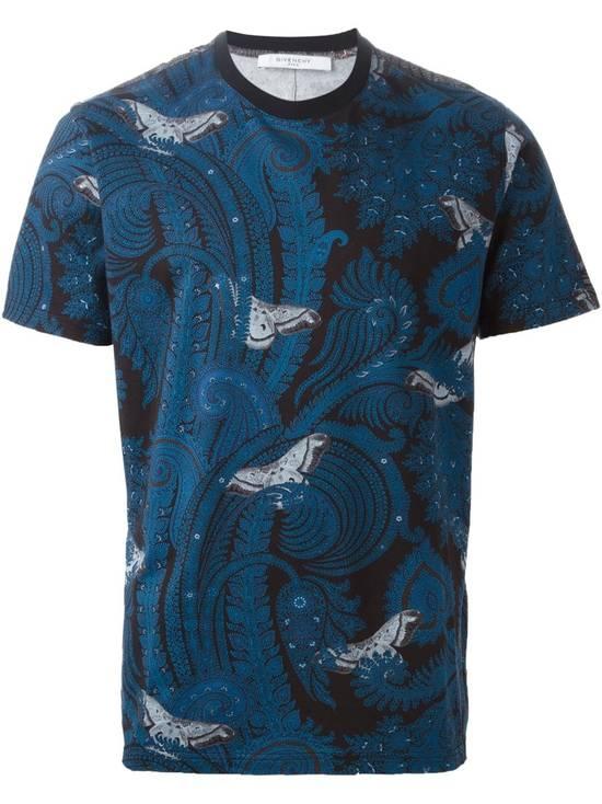 Givenchy Givenchy Blue Paisley & Butterfly Shark Stars Oversized T-shirt size S (L / XL) Size US S / EU 44-46 / 1 - 1
