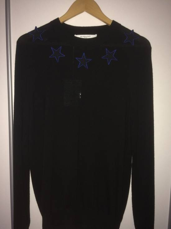 Givenchy Givenchy Star Embroidered Jumper L Size US L / EU 52-54 / 3 - 4