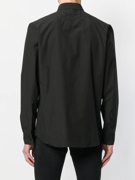 Givenchy $520 Givenchy Black Star Embroidered Rottweiler Shark Men's Shirt size 41 (L) Size US L / EU 52-54 / 3 - 4