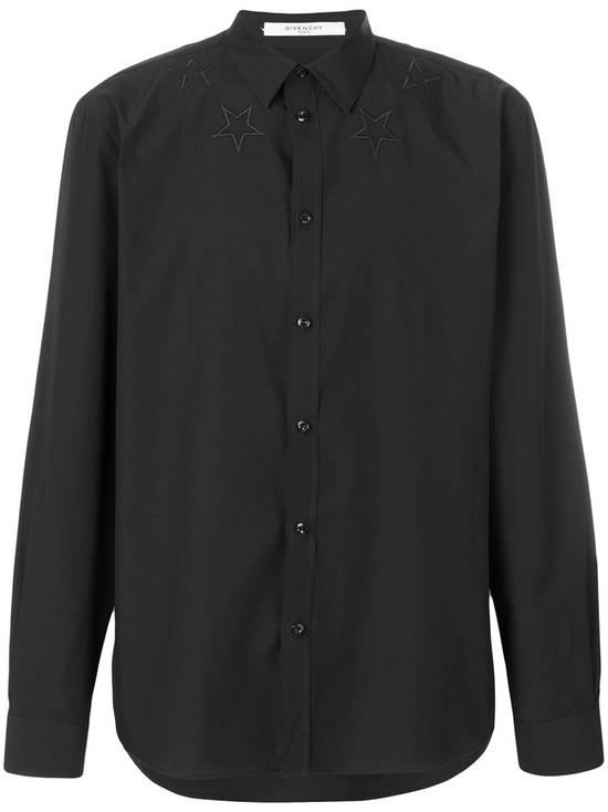 Givenchy $520 Givenchy Black Star Embroidered Rottweiler Shark Men's Shirt size 41 (L) Size US L / EU 52-54 / 3 - 2
