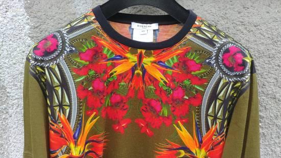 Givenchy $745 Givenchy Khaki Birds of Paradise Iris Floral Rottweiler Oversized T-shirt size XS Size US XS / EU 42 / 0 - 3