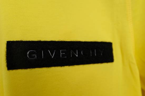 Givenchy Yellow Logo Plaque T-shirt Size US L / EU 52-54 / 3 - 3
