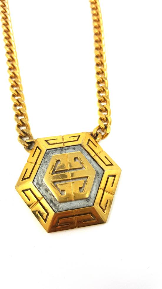 Givenchy OVERSIZED Gold plated logo necklace Size ONE SIZE - 19