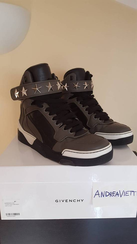 Givenchy Tyson High Sneakers Size US 8 / EU 41
