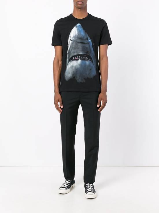 Givenchy Shark Print T-shirt Size US XS / EU 42 / 0 - 2