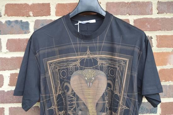 Givenchy Brown Cobra Print T-shirt Size US M / EU 48-50 / 2 - 3