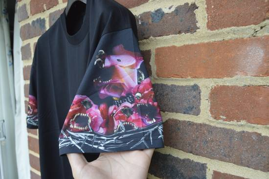 Givenchy Floral Rottweiler Sleeves T-shirt Size US M / EU 48-50 / 2 - 3