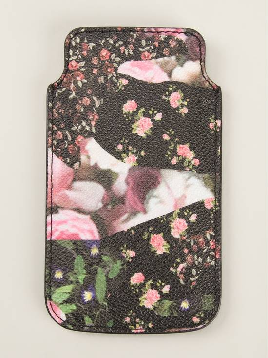 Givenchy Givenchy Rose Print Iphone 5 and 5s Case. NEW Size ONE SIZE - 1