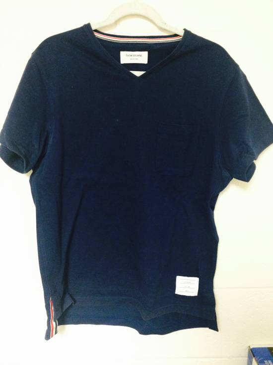 Thom Browne size 3 v neck tee Size US M / EU 48-50 / 2