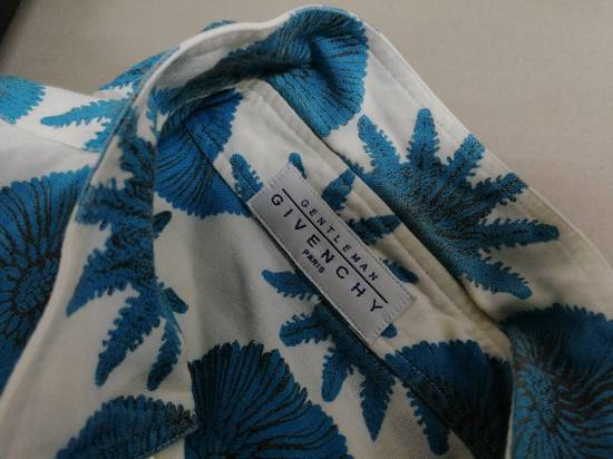 Givenchy Aqua Pattern S/S Shirt *Final Drop* Size US L / EU 52-54 / 3 - 2