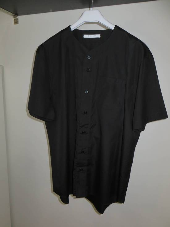"Givenchy Printed baseball shirt ""17"" Size US M / EU 48-50 / 2 - 5"