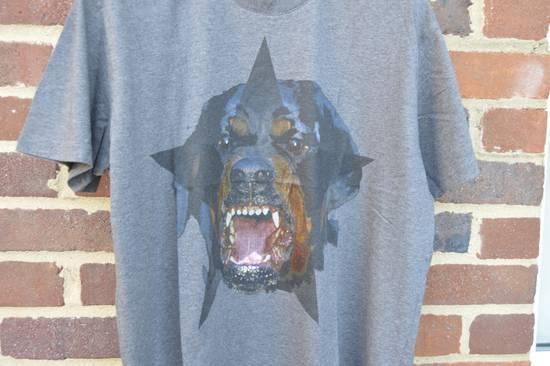 Givenchy Grey Rottweiler Star T-shirt Size US XS / EU 42 / 0 - 2