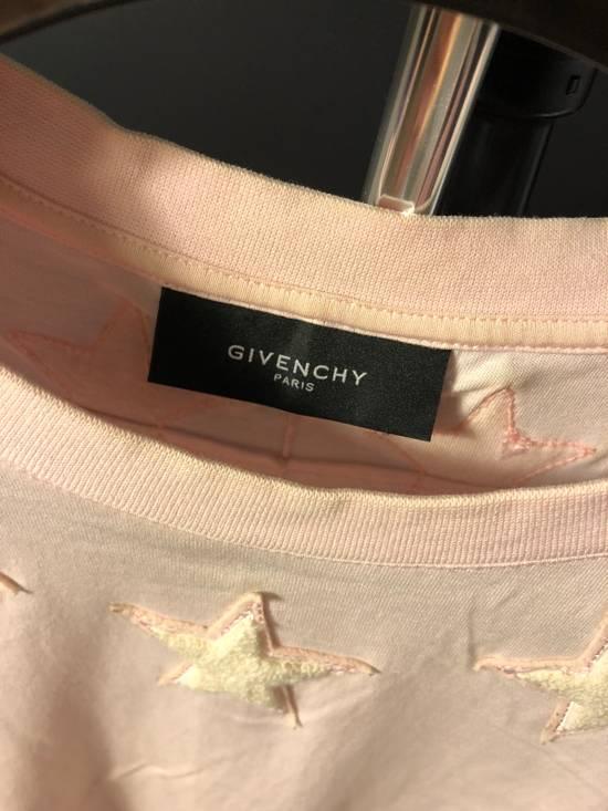 Givenchy Star T-shirt. Size US L / EU 52-54 / 3 - 2