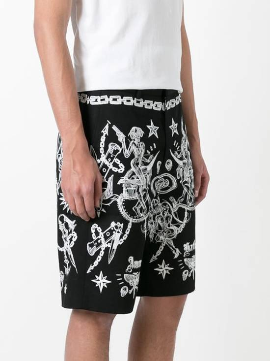 Givenchy GIVENCHY tattoo print Bermuda shorts (BN) Size US 34 / EU 50 - 2