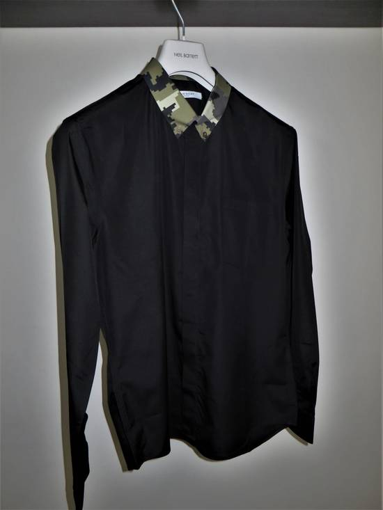 Givenchy Camouflage collar shirt Size US L / EU 52-54 / 3 - 6