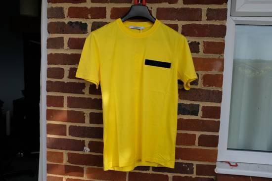 Givenchy Yellow Logo Plaque T-shirt Size US L / EU 52-54 / 3