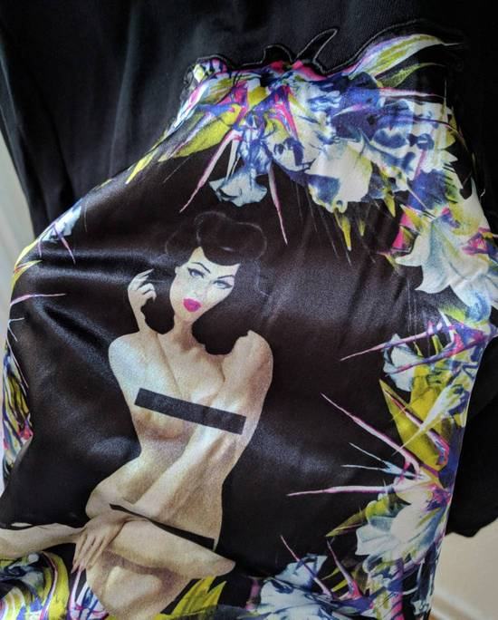 Givenchy Pin Up and Wreath Applique Sweatshirt Size US S / EU 44-46 / 1 - 10